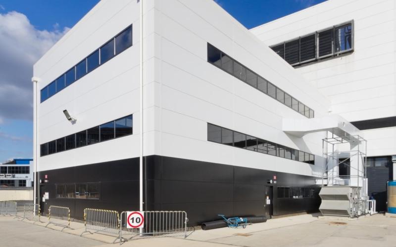 Building R80 Extension